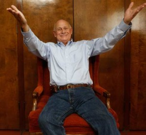 gerald mcraney_welcomesmile_chair